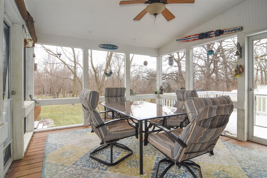 Real Estate Photography - 40W982 Creekwood, Elgin, IL, 60124 - Sun Room