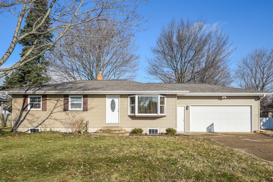 Real Estate Photography - 1855 N. Sierra Way, Stevensville, MI, 49127 - Front View