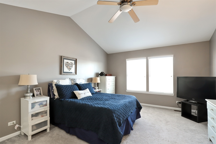 Real Estate Photography - 2914 Falling Waters Dr, Lindenhurst, IL, 60046 - Master Bedroom