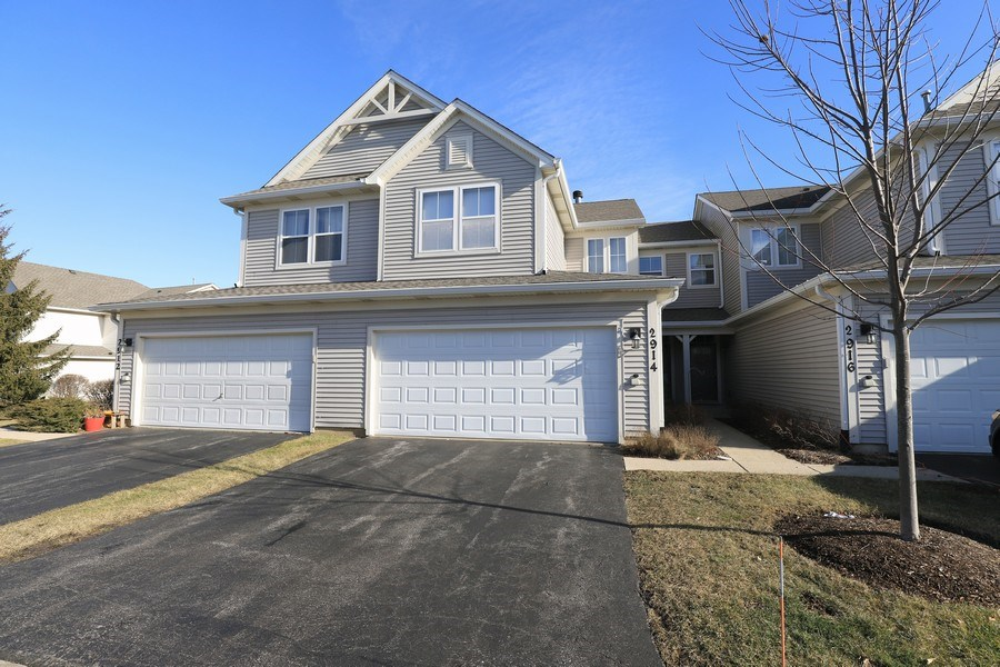 Real Estate Photography - 2914 Falling Waters Dr, Lindenhurst, IL, 60046 - Front View