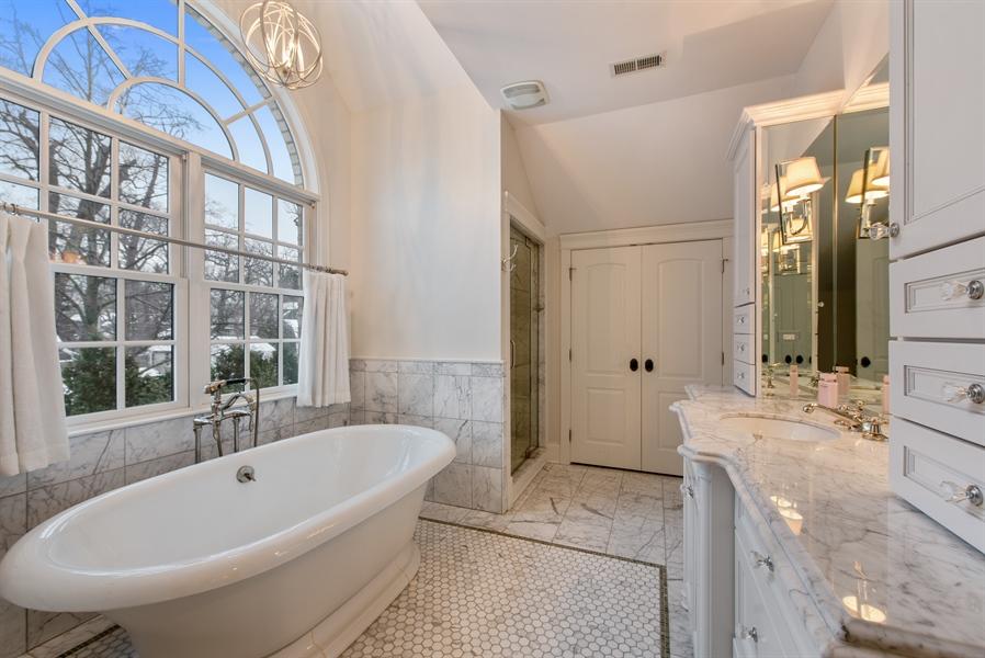 Real Estate Photography - 1301 Chestnut Avenue, Wilmette, IL, 60091 - Her Bathroom