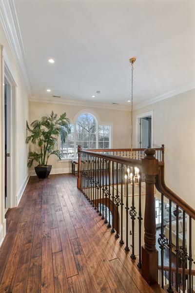Real Estate Photography - 1301 Chestnut Avenue, Wilmette, IL, 60091 - 2nd Floor Corridor