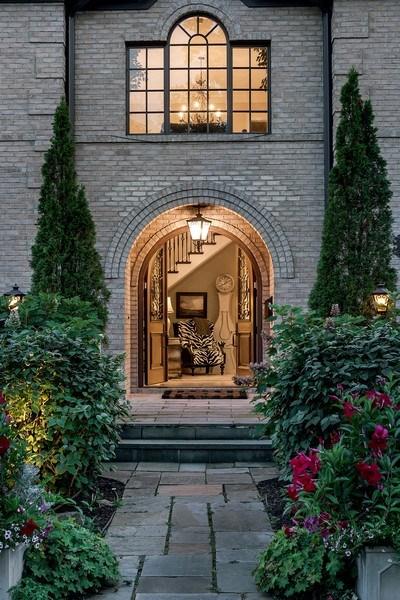 Real Estate Photography - 1301 Chestnut Avenue, Wilmette, IL, 60091 - Entrance