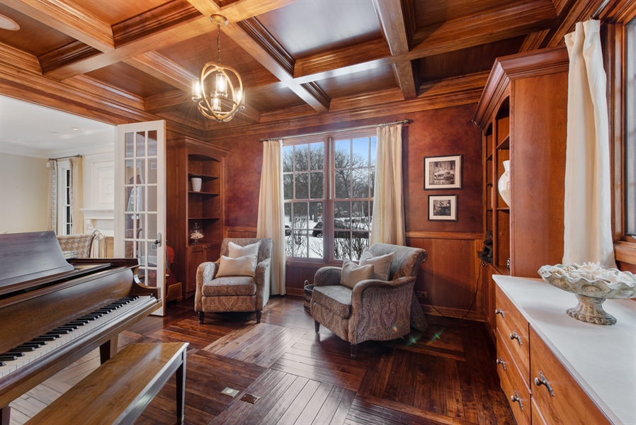 Real Estate Photography - 1301 Chestnut Avenue, Wilmette, IL, 60091 - Office