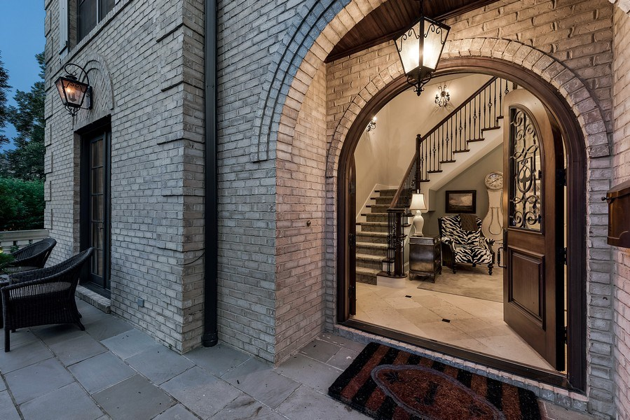 Real Estate Photography - 1301 Chestnut Avenue, Wilmette, IL, 60091 - Entryway