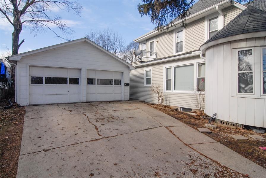 Real Estate Photography - 211 Prairie, Batavia, IL, 60510 - Master Bedroom Closet