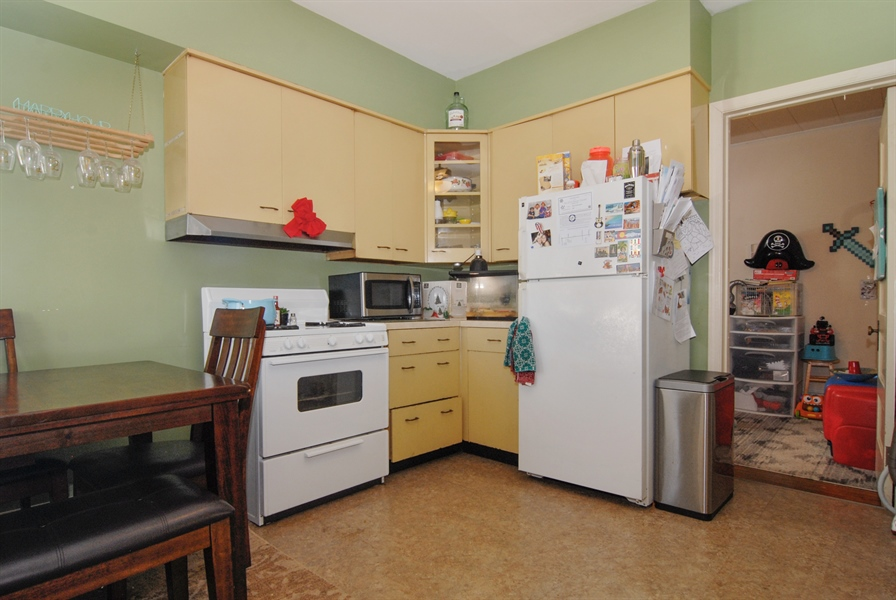 Real Estate Photography - 211 Prairie, Batavia, IL, 60510 - Kitchen