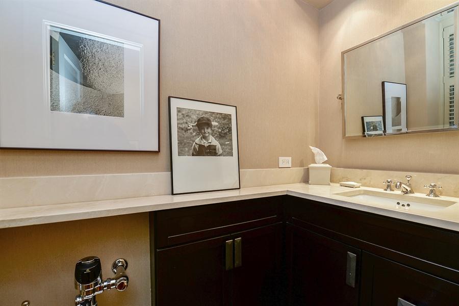 Real Estate Photography - 1120 N. Lakeshore Drive, 2B, Chicago, IL, 60611 - 3rd bath En-suite