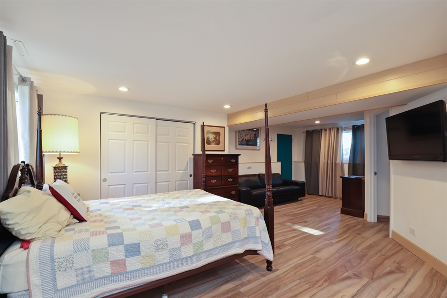 Real Estate Photography - 715 Burris Ave, Lake Bluff, IL, 60044 - Family Room or In-law Suite