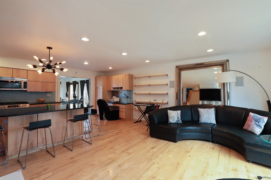 Real Estate Photography - 715 Burris Ave, Lake Bluff, IL, 60044 - Great Room