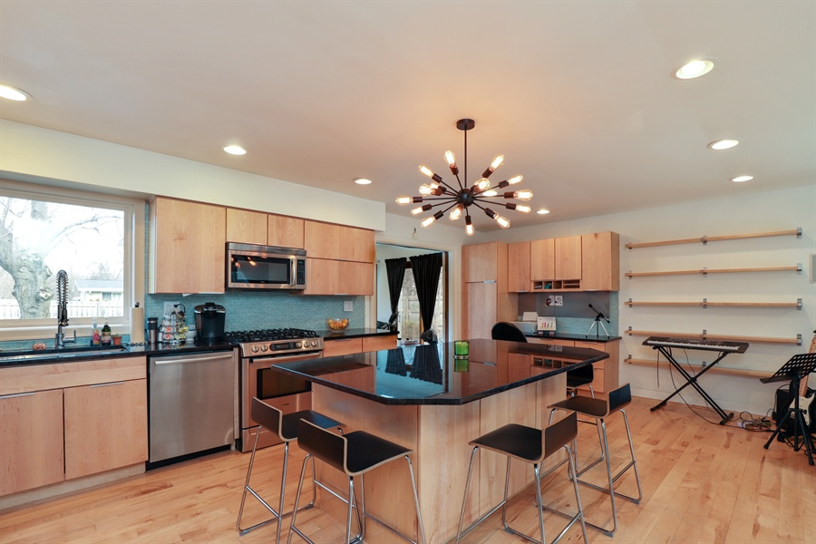 Real Estate Photography - 715 Burris Ave, Lake Bluff, IL, 60044 - Open Kitchen