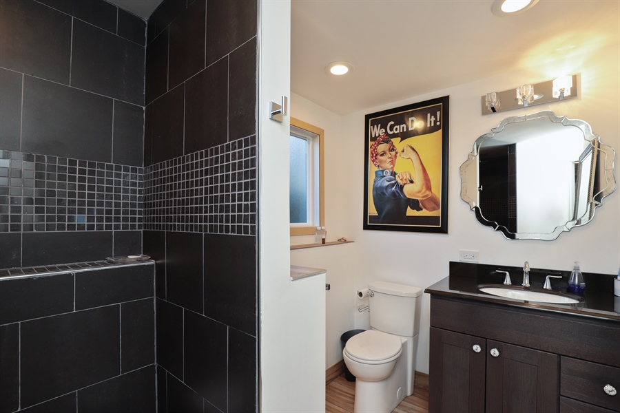 Real Estate Photography - 715 Burris Ave, Lake Bluff, IL, 60044 - 2nd Bathroom