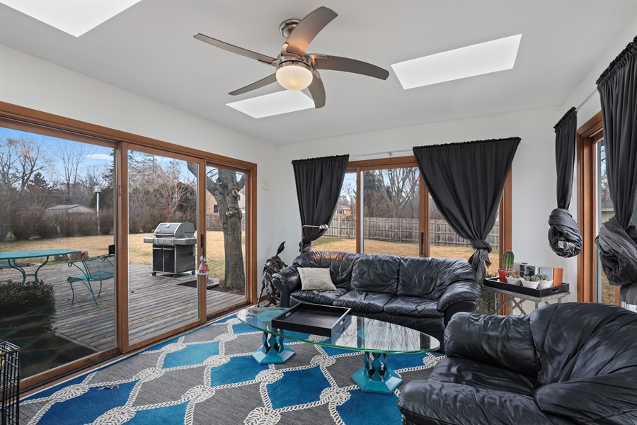 Real Estate Photography - 715 Burris Ave, Lake Bluff, IL, 60044 - Sun Room