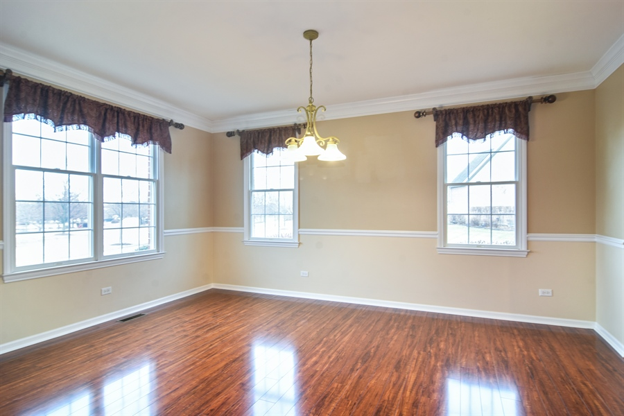 Real Estate Photography - 28 Championship Pkwy, Hawthorn Woods, IL, 60047 - Dining Room