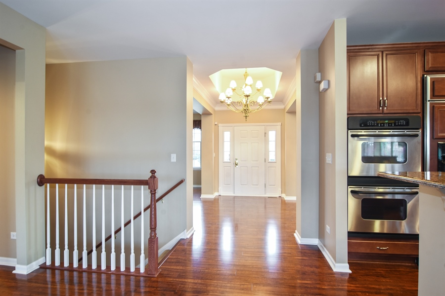 Real Estate Photography - 28 Championship Pkwy, Hawthorn Woods, IL, 60047 - Foyer