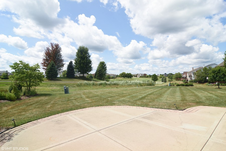 Real Estate Photography - 28 Championship Pkwy, Hawthorn Woods, IL, 60047 -