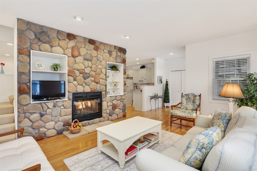 Real Estate Photography - 20 Pond Path, New Buffalo, MI, 49117 - Living Room