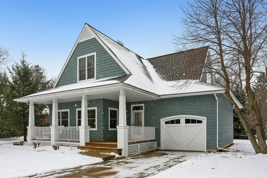 Real Estate Photography - 20 Pond Path, New Buffalo, MI, 49117 - Front View
