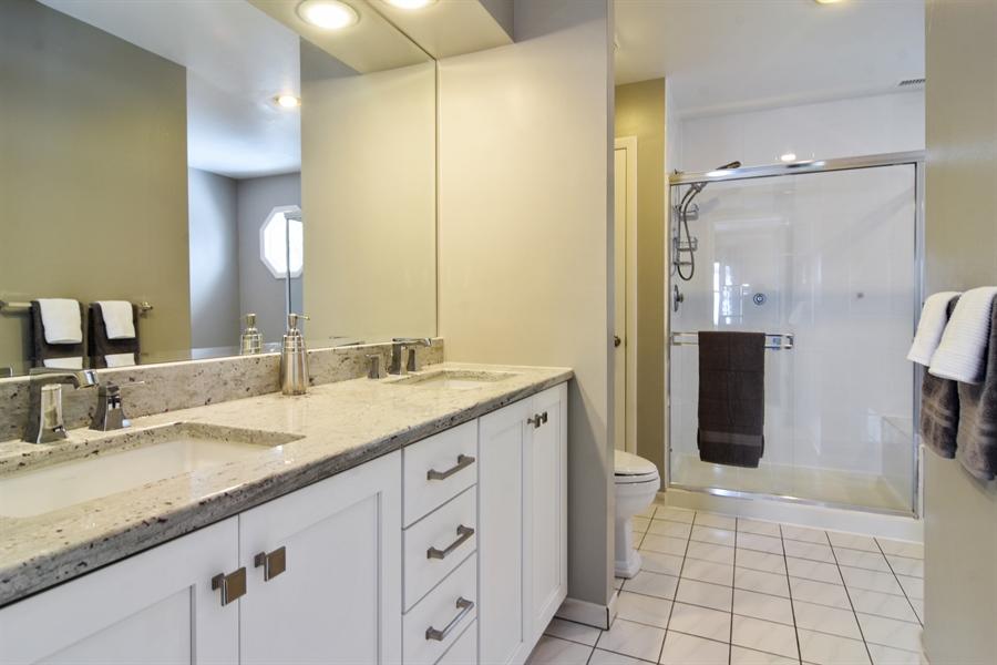 Real Estate Photography - 475 Newtown Drive, Buffalo Grove, IL, 60089 - Master Bathroom
