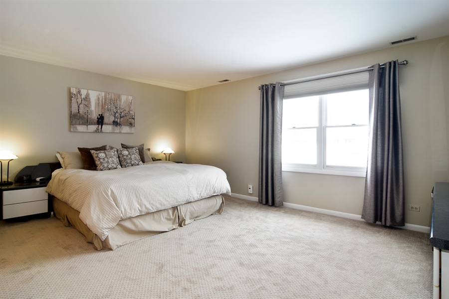 Real Estate Photography - 475 Newtown Drive, Buffalo Grove, IL, 60089 - Master Bedroom