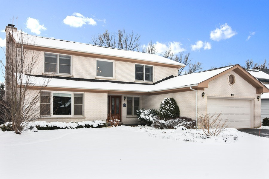 Real Estate Photography - 475 Newtown Drive, Buffalo Grove, IL, 60089 - Front View