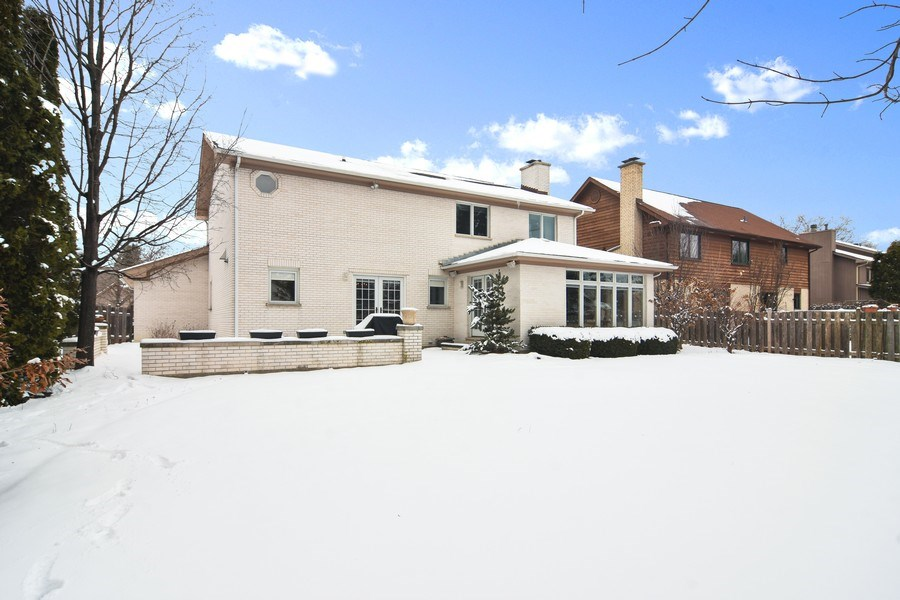 Real Estate Photography - 475 Newtown Drive, Buffalo Grove, IL, 60089 - Rear View