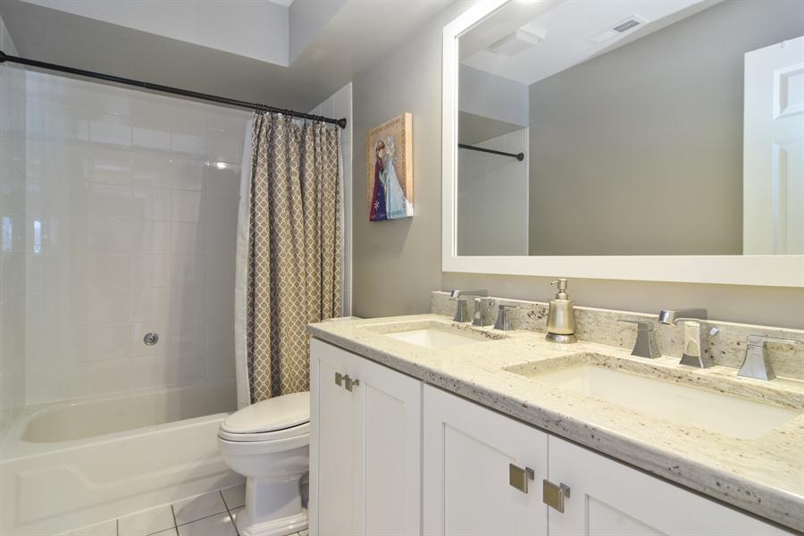Real Estate Photography - 475 Newtown Drive, Buffalo Grove, IL, 60089 - Bathroom
