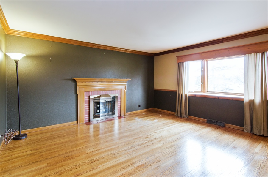 Real Estate Photography - 111 Beverly Rd, Barrington, IL, 60010 - Living Room