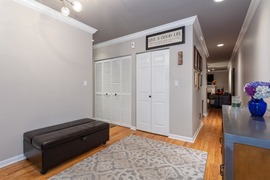 Real Estate Photography - 1426 N Orleans St, Unit 203, Chicago, IL, 60610 - Entryway