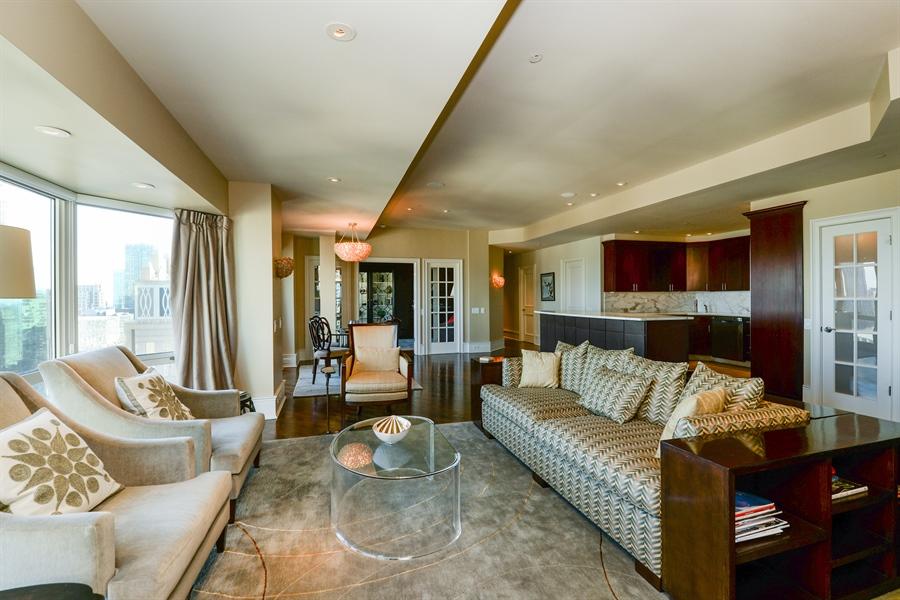 Real Estate Photography - 100 E Huron St, Unit 3904, Chicago, IL, 60611 - Great room