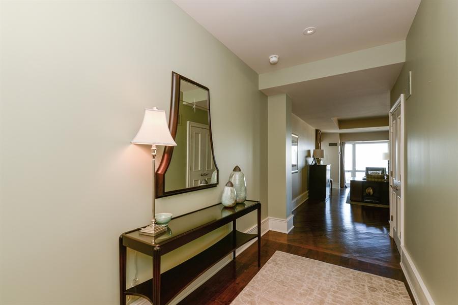 Real Estate Photography - 100 E Huron St, Unit 3904, Chicago, IL, 60611 - Foyer