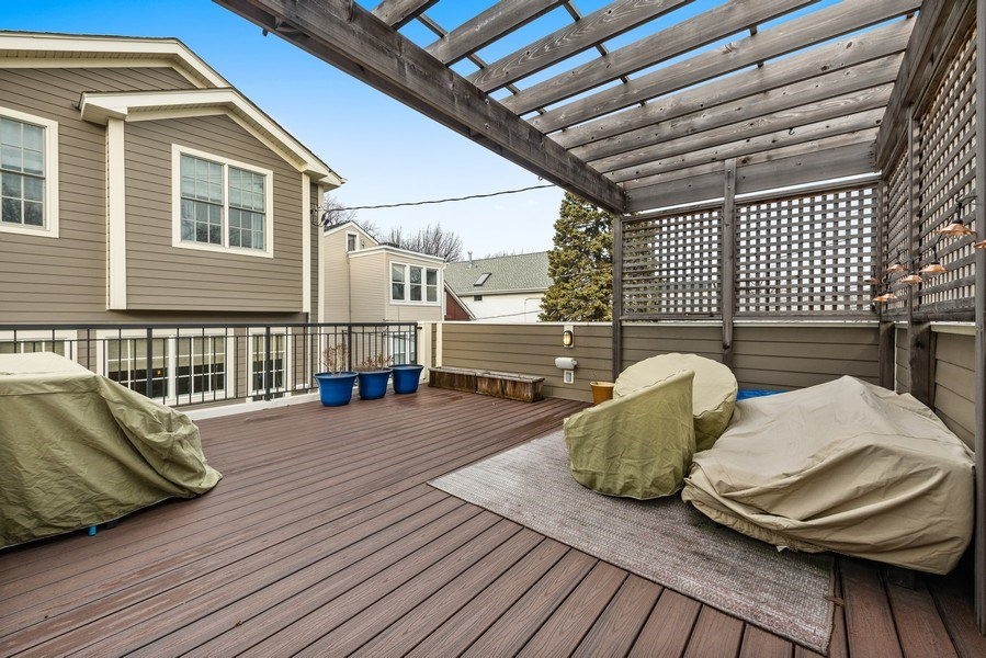 Real Estate Photography - 3023 N Hamilton Ave, Chicago, IL, 60618 - Roof Deck