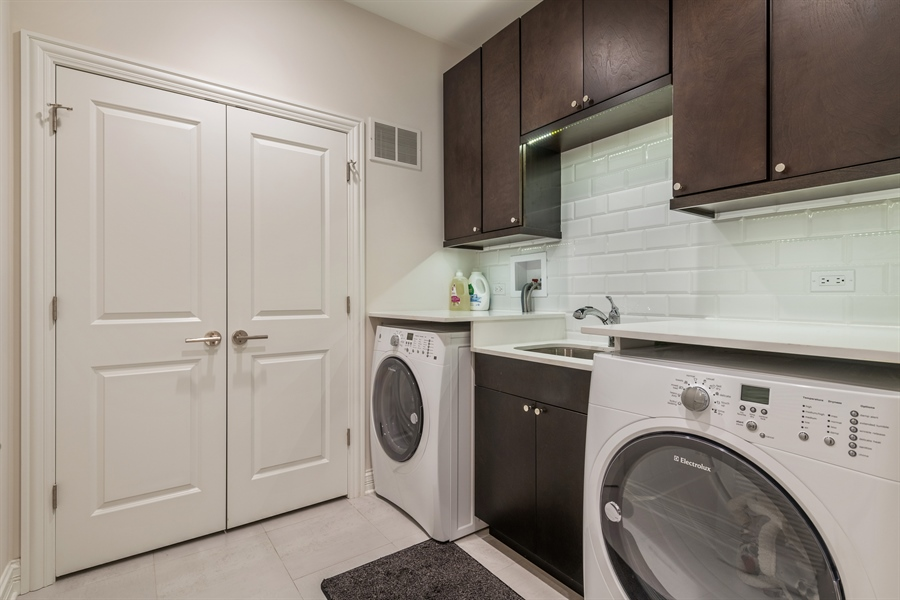 Real Estate Photography - 2639 W Medill Ave, Chicago, IL, 60647 - Laundry Room