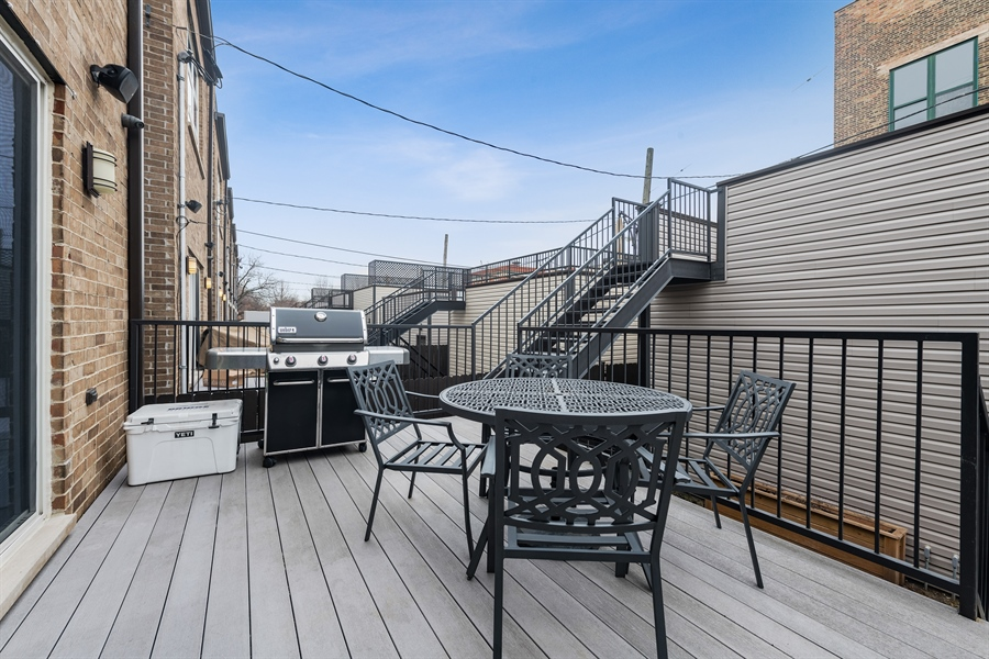 Real Estate Photography - 2639 W Medill Ave, Chicago, IL, 60647 - Deck