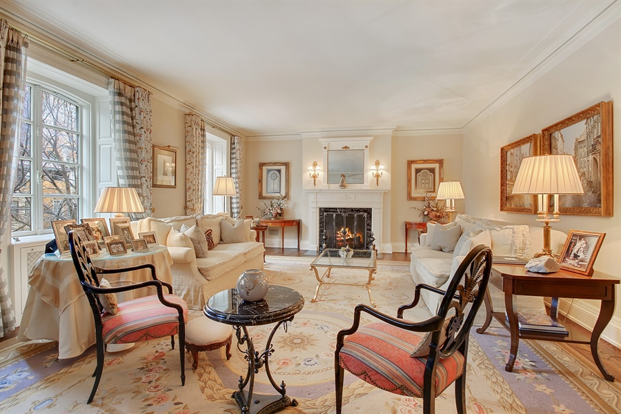 Real Estate Photography - 1530 N State Pkwy, Unit 3, Chicago, IL, 60610 - Living Room