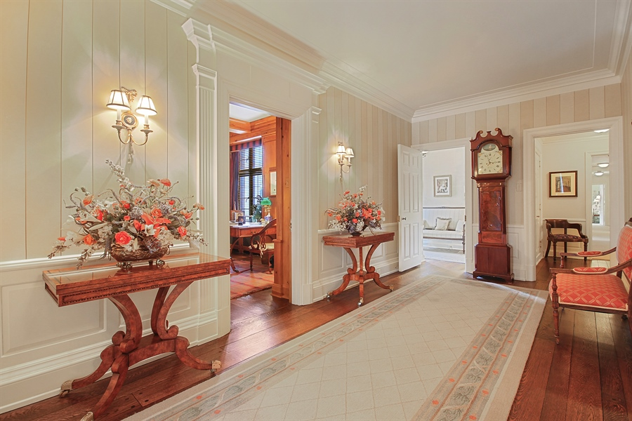 Real Estate Photography - 1530 N State Pkwy, Unit 3, Chicago, IL, 60610 - Grand Foyer