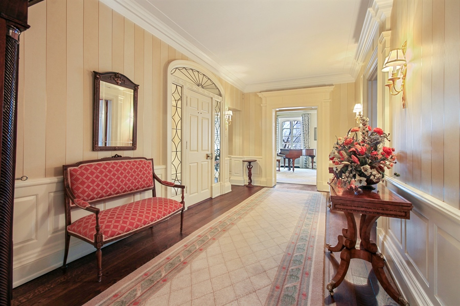 Real Estate Photography - 1530 N State Pkwy, Unit 3, Chicago, IL, 60610 - Entryway