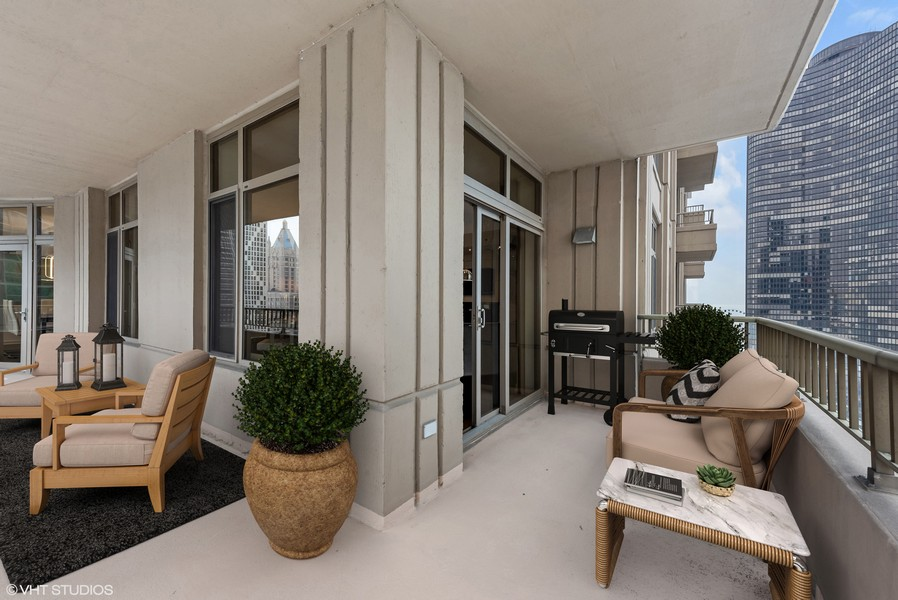 Real Estate Photography - 530 N Lake Shore Drive, Unit 2500, Chicago, IL, 60611 -