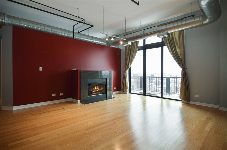 Real Estate Photography - 833 W 15th Pl, Unit 907, Chicago, IL, 60608 - Living Room