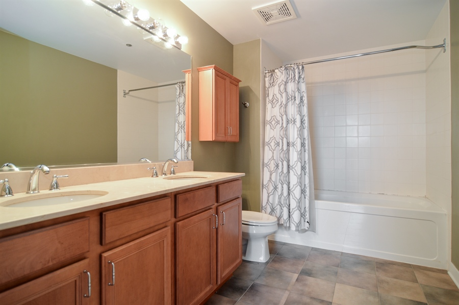 Real Estate Photography - 833 W 15th Pl, Unit 907, Chicago, IL, 60608 - Master Bathroom