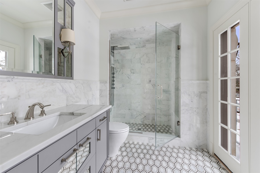 Real Estate Photography - 790 Prospect Ave, Winnetka, IL, 60093 - 4th Bathroom
