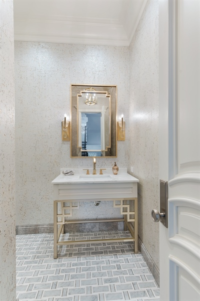 Real Estate Photography - 790 Prospect Ave, Winnetka, IL, 60093 - Powder Room