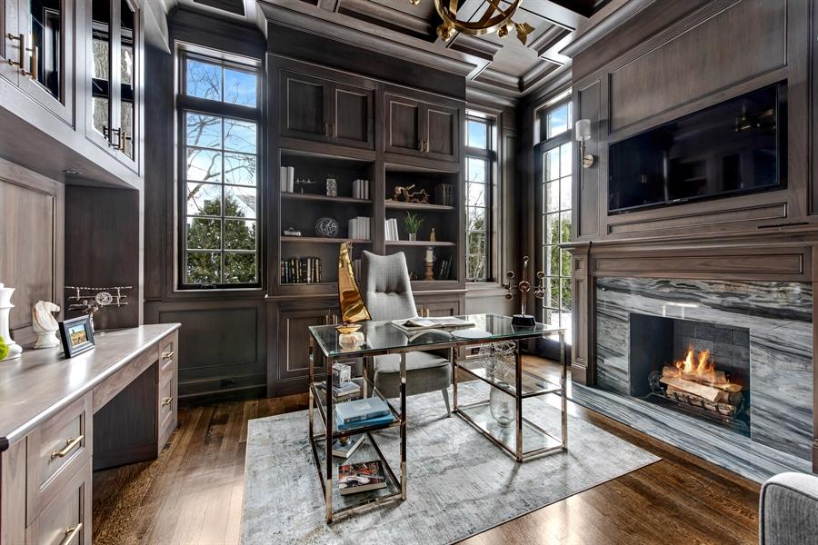 Real Estate Photography - 790 Prospect Ave, Winnetka, IL, 60093 - Office