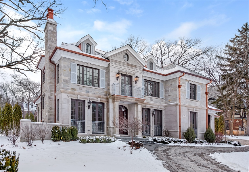 Real Estate Photography - 790 Prospect Ave, Winnetka, IL, 60093 - Front View