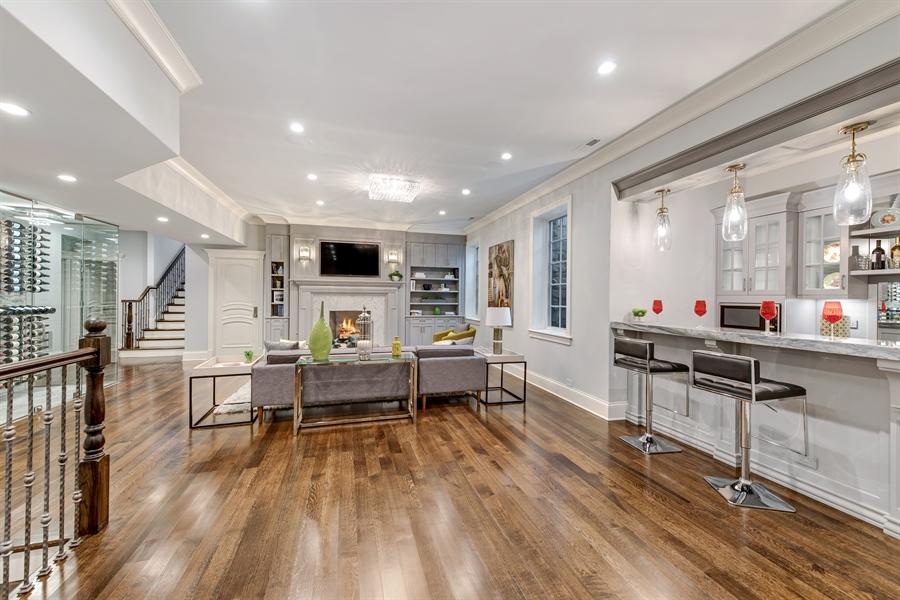 Real Estate Photography - 790 Prospect Ave, Winnetka, IL, 60093 - Bar