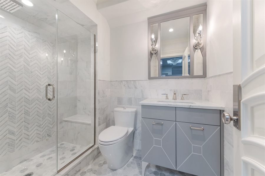 Real Estate Photography - 790 Prospect Ave, Winnetka, IL, 60093 - 2nd Bathroom