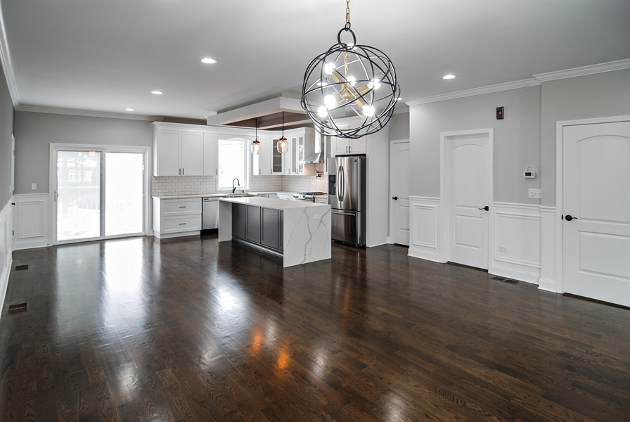 Real Estate Photography - 3512 East Ave, Berwyn, IL, 60402 - Dining Room