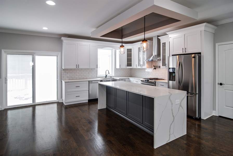 Real Estate Photography - 3512 East Ave, Berwyn, IL, 60402 - Kitchen