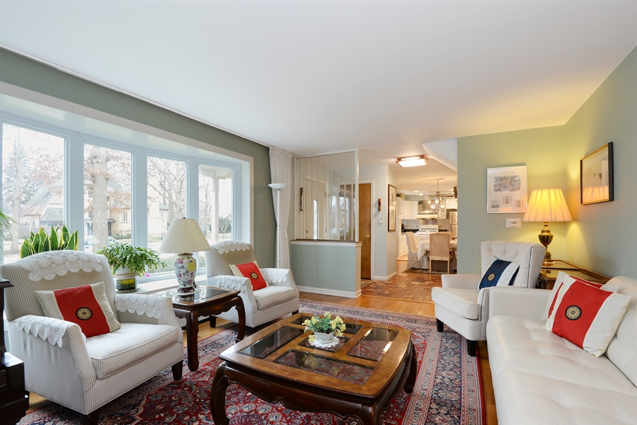 Real Estate Photography - 3534 Forest Ave, Wilmette, IL, 60091 - Living Room