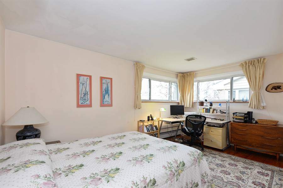 Real Estate Photography - 3534 Forest Ave, Wilmette, IL, 60091 - 2nd Bedroom